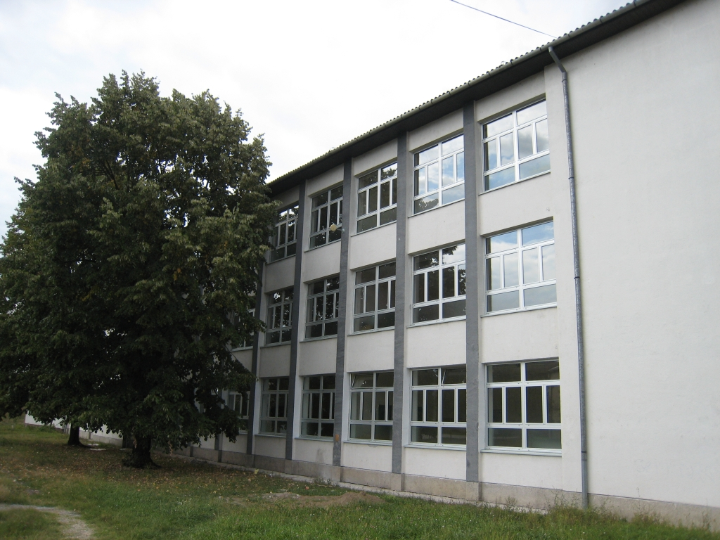 """Agrycultural & medical school"" in Brcko"