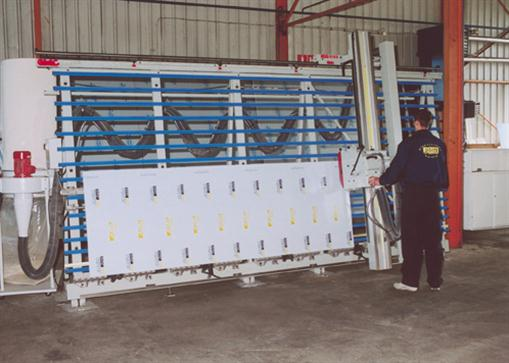Machine for processing alucobond